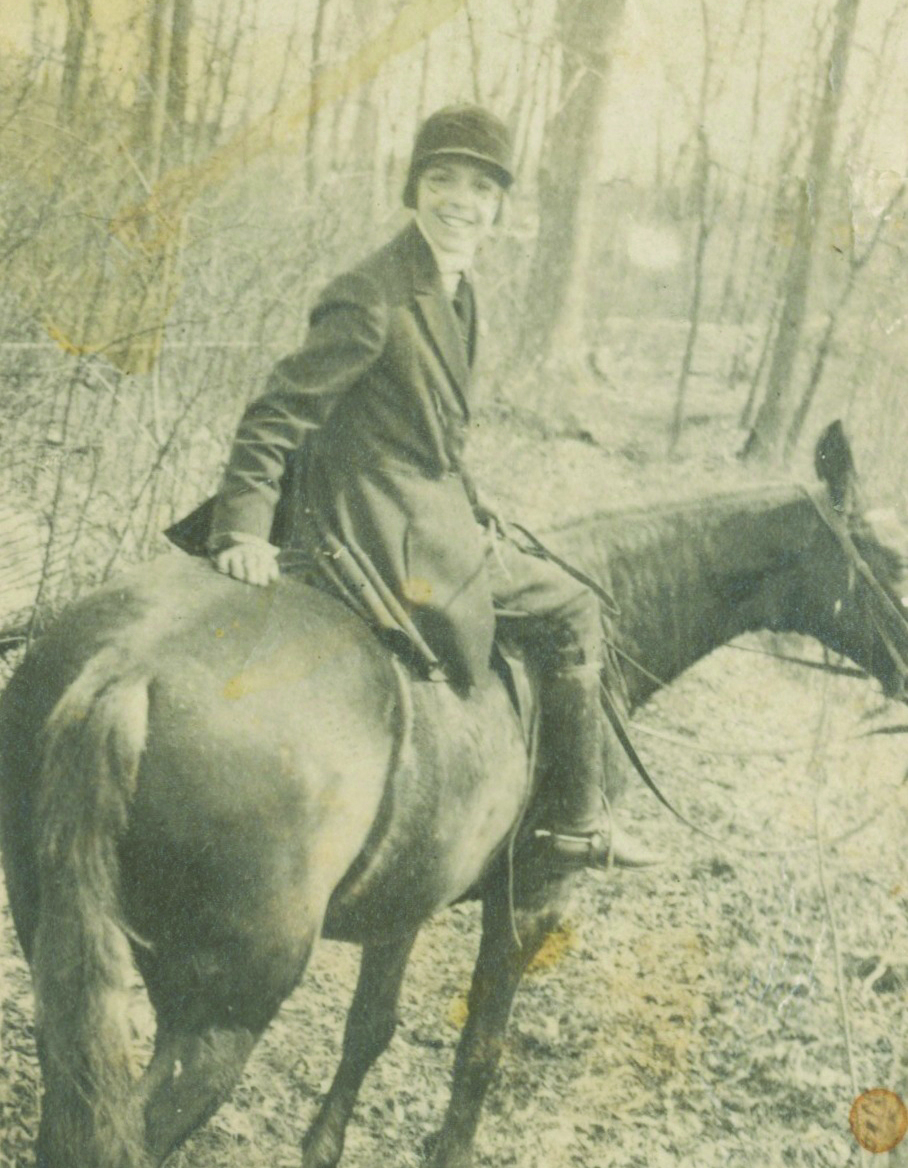 Mastiff Marie Moore on horseback 1918